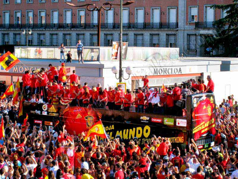 bus descapotable celebraciones madrid