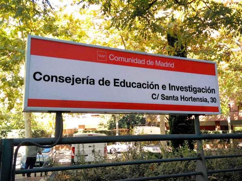 R tulos de exterior comunidad de madrid for Educacion exterior