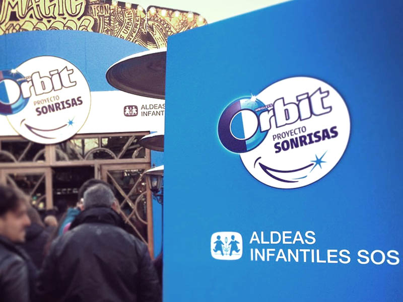 rotulacion evento orbit proyecto sonrisas