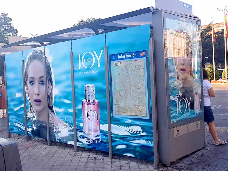 joy by dior jennifer lawrence marquesinas autobuses