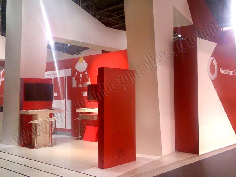 Impresi n e instalaci n de vinilos en mobile world for Vodafone oficinas barcelona